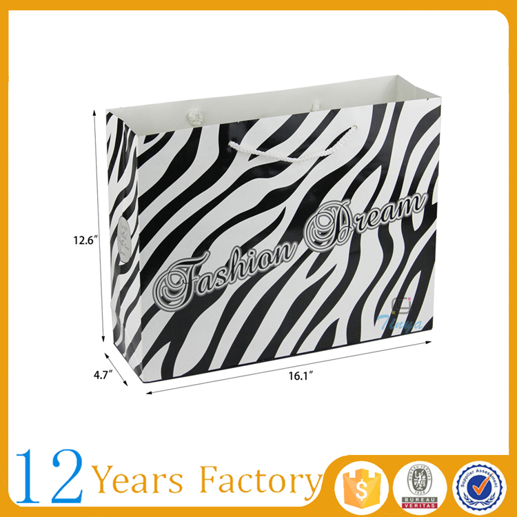 Fashion paper black and white striped gift bags