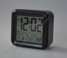 Black LCD display plastic square body day of week snooze digital table alarm clock with thermometer