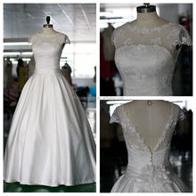 Wholesale Lace Appliqued Beading Satin Ball Gown Wedding Dresses 2016