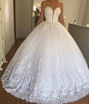 Beautiful Sheer V Neck Designer Bridal Gowns Sequined 3d Flowers Cheapel Train Saudi Arabia Ball Gown Wedding Dresses 2019