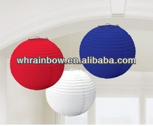 mixed colors and sizes paper lamp shade
