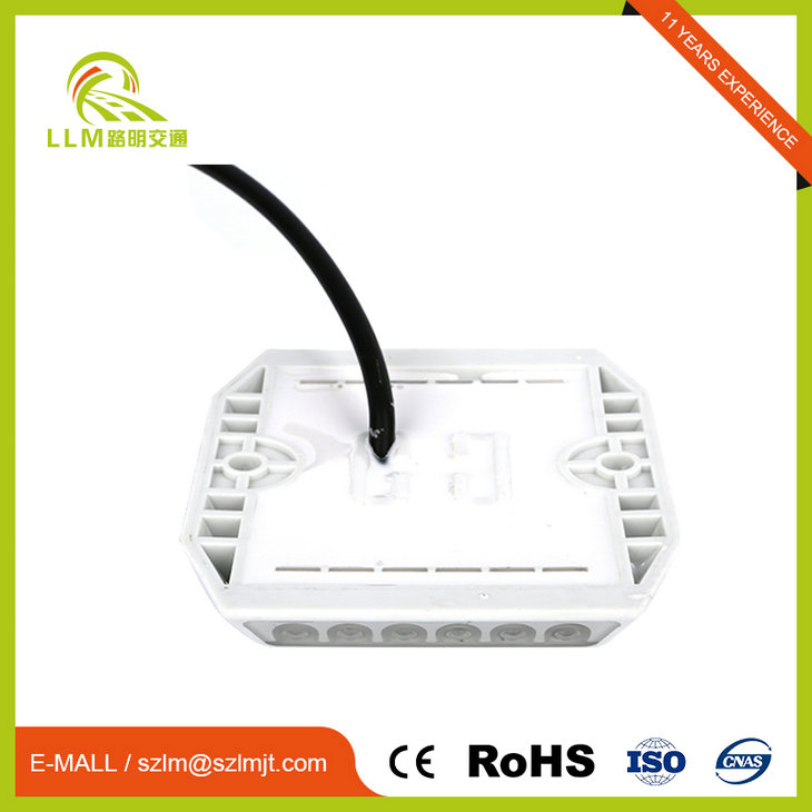 Waterproof wired plastic road stud for tunnel