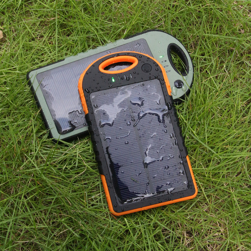 Fashionable Auto Start Power Waterproof Military Solar Charger