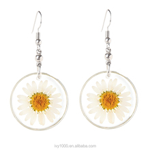 Real Chrysanthemum DIY Jewelry Earrings White Daisy Pressed Flower Resin Earrings