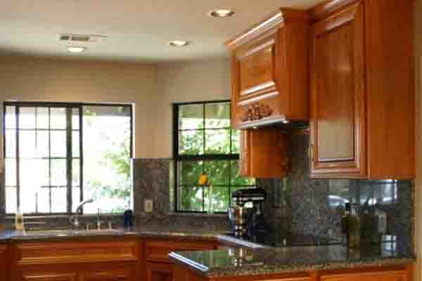 Odorless high gloss kitchen paint
