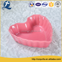 Customized ceramic microwave heart shaped ramekins mini cupcake baking pans