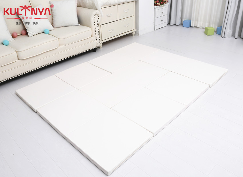 white playpen mat 2.jpg