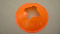 2016 new design round disc pvc plate football cones