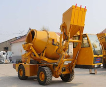 1.6 m3 small diesel 4*4 self propelled self loading concrete mixing /mixer mobile truck for sale