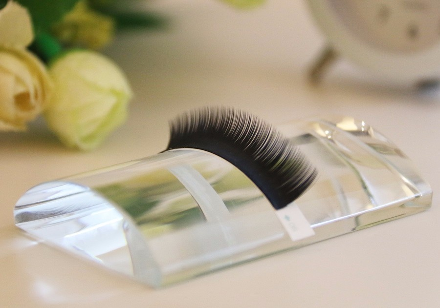 Acrylic Crystal U-Shaped Curved Eyelash Plate Lash Holder Eyelash Extensions holder