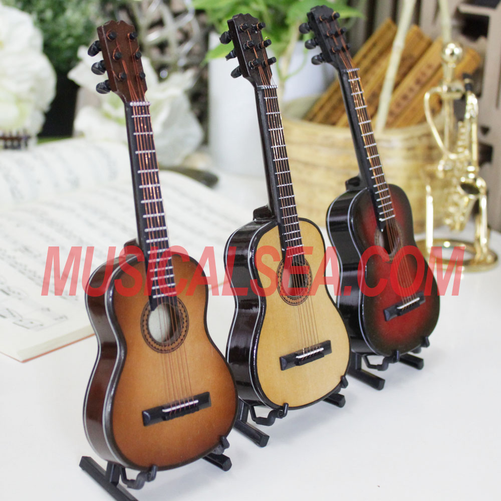 Miniature Wooden guitar / mini guitar hand made ornament/ mini musical instrument replica gift for promotion gift
