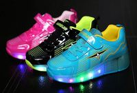 Cheap hot sell new design flash sport roller skates led light up sports shoes