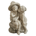 Resin Statue Kissing Kids Boy and Girl Statue Garden Decor