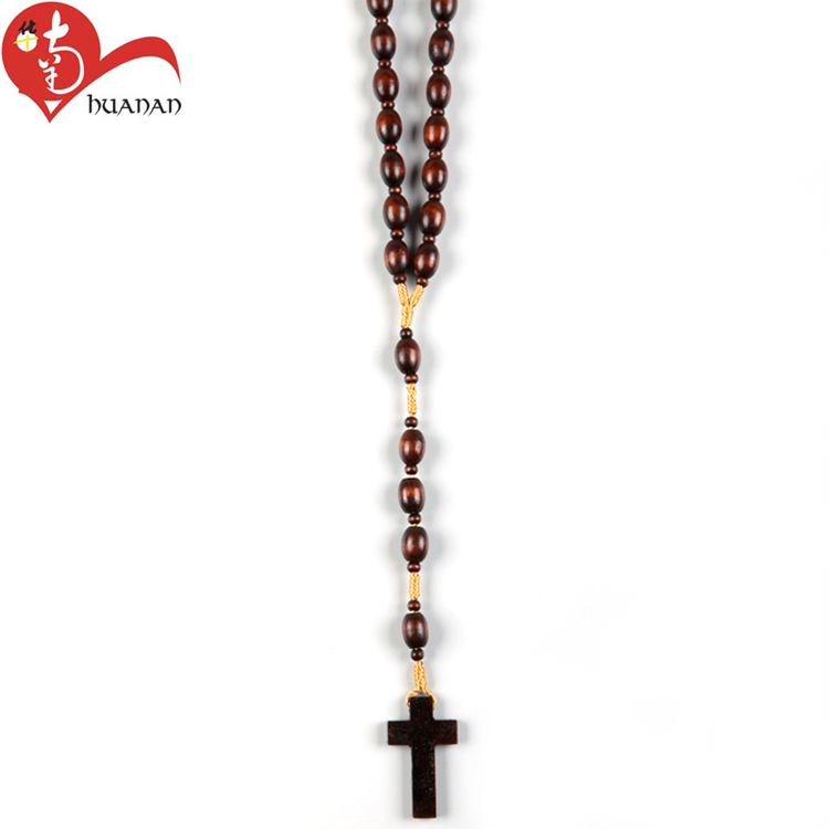 Huanan Factory Wholesale Catholic Religious Natural Olive Beads Rosary Cross Necklace