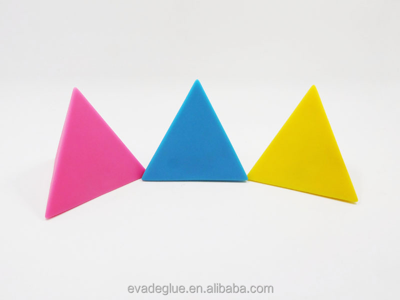 Plastic 3 Colors Triangle Flash LED Light up Water Proof Magnetic Triangle Toy