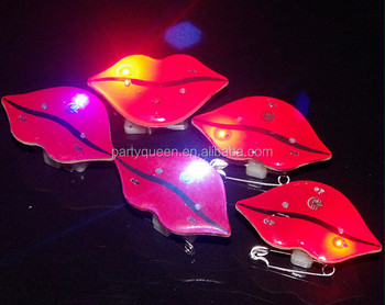 LED flashing lip brooch G-P094