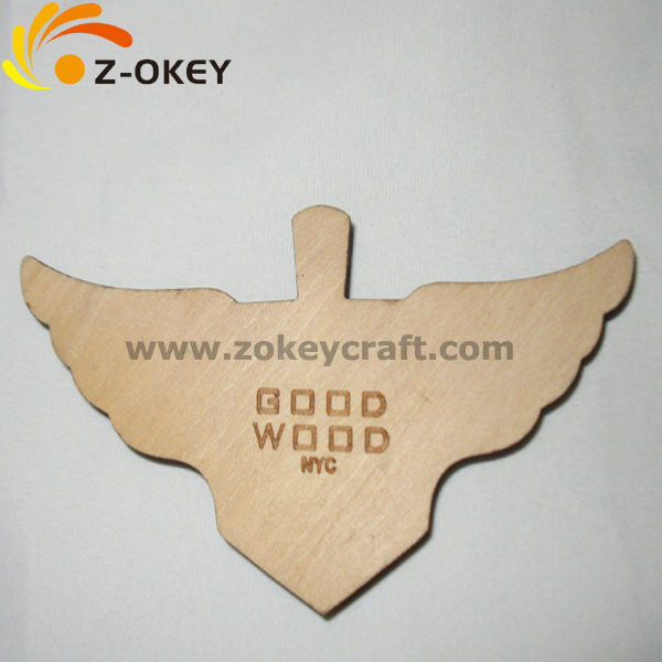 Beautifully Plate with wings fashionable jewelry wood necklace