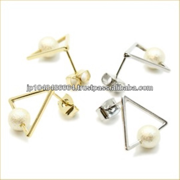 Elegant and popular diamond earring costume jewelry at reasonable prices