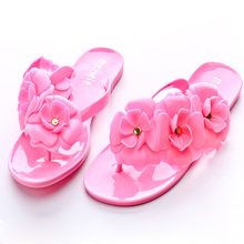 2017 Fancy Plastic Flower Wholesale Girls Sandal Made In China