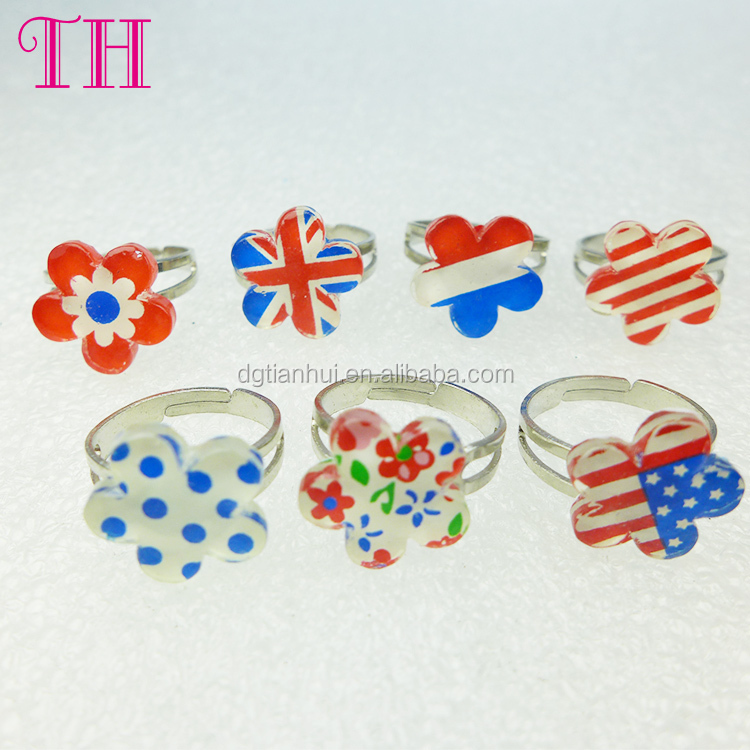 Good quality fashion style 7pc per set resin flag shape kids finger plastic ring