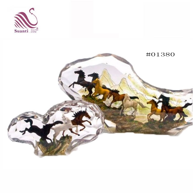 Feng Shui  Indoor Table Decoration Resin  Horse Statue Sculpture for Business Gifts