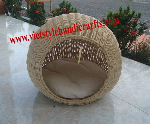 Natural rattan cat bed