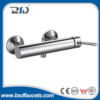 High quality brass body zinc alloy handle Wall Mounted constant temperature bath shower faucet
