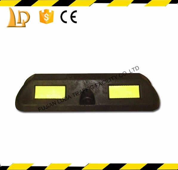 Super durable black wheel stop car parking with 5 year warranty