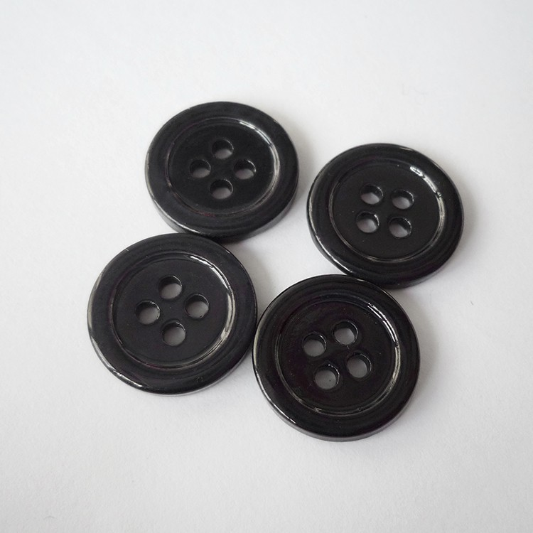 Colored shirt buttons