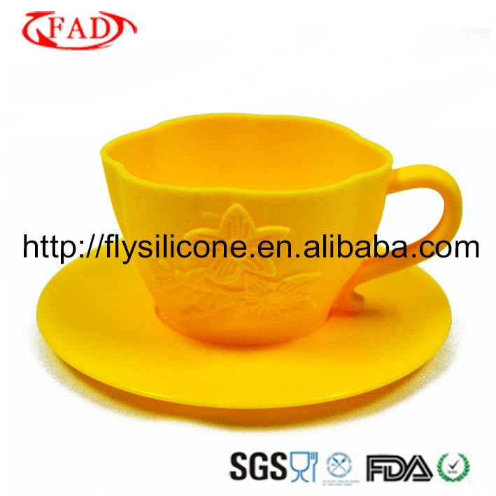 FDA/LFGB Standard Silicone Cupcake secret with factory new design,Fashion Yellow Color