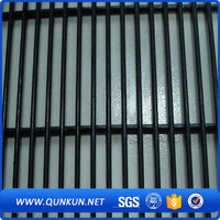 Multifunctional hot sales anti-climb security fence strip