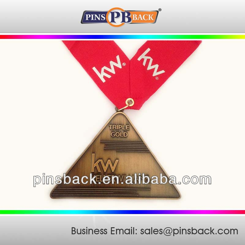 Triangle Promotion Gold / Nickel / Bronze Custom Sport Award Medal Metal Name Medallion