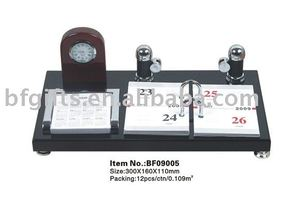 Wooden table calendar,clock:BF09005