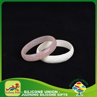 Cheap recycle custom silicone wristband, silicone bracelet with charms