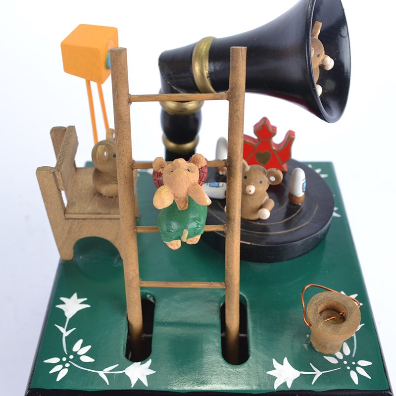 The horn bear Christmas Moving Music Box