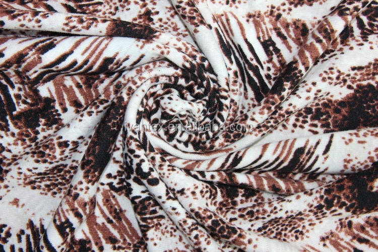Animal Design Printed Brushing Polyester Flannel Fabric for Clothes