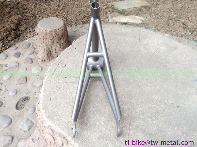2016 new design! Titanium road bicycle frame with sand blasting finished titanium touring bike frame