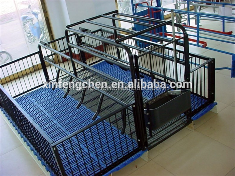 Pig farrowing crate for pig breeding and gestation stall
