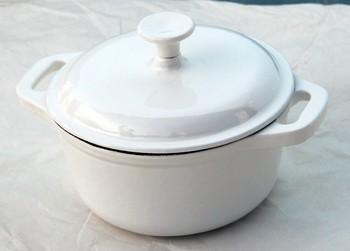 enamel cast iron stew pot