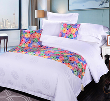 fatastic rainbow-color -ring decorative bed runner for hotel bedding set