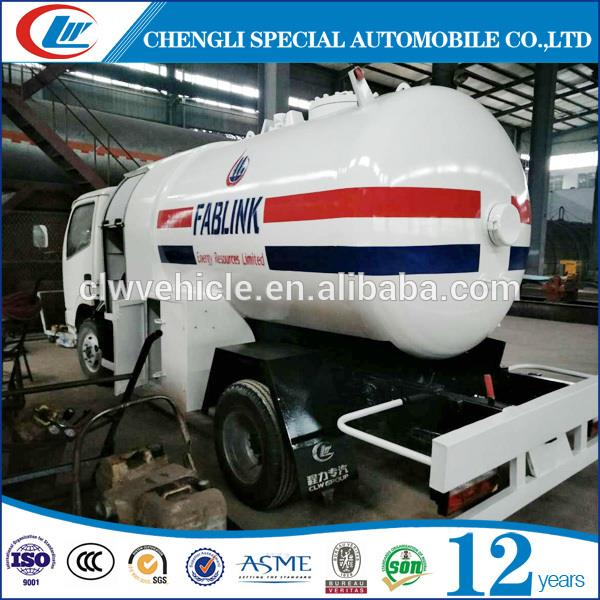 DONG FENG 4x2 LPG Delivery Truck 5CBM LPG Filling Truck For Africa