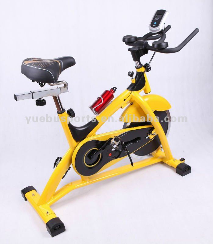 Heavy flywheel life cycle exercise bike