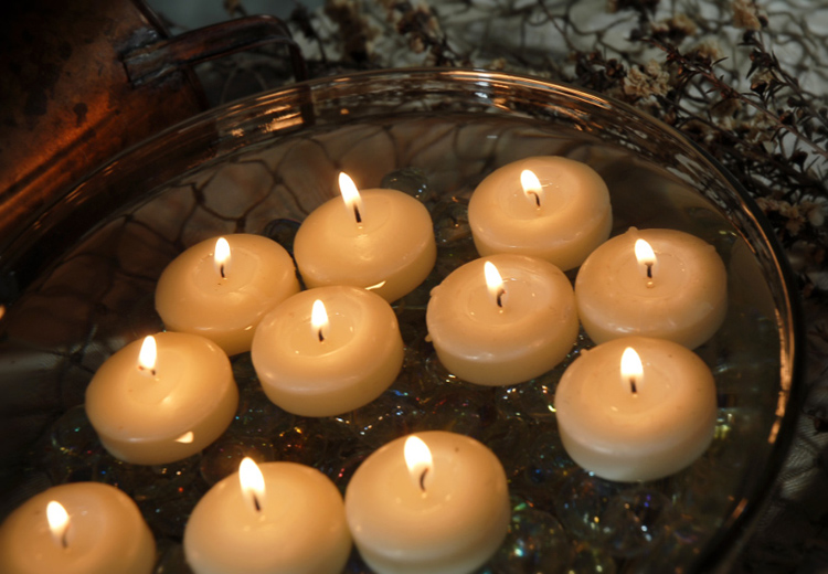 unscented natural ivory white water floating candles for relaxation spa