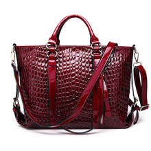 wholesale small order stock lady Europe and America high capacity multi function handbag