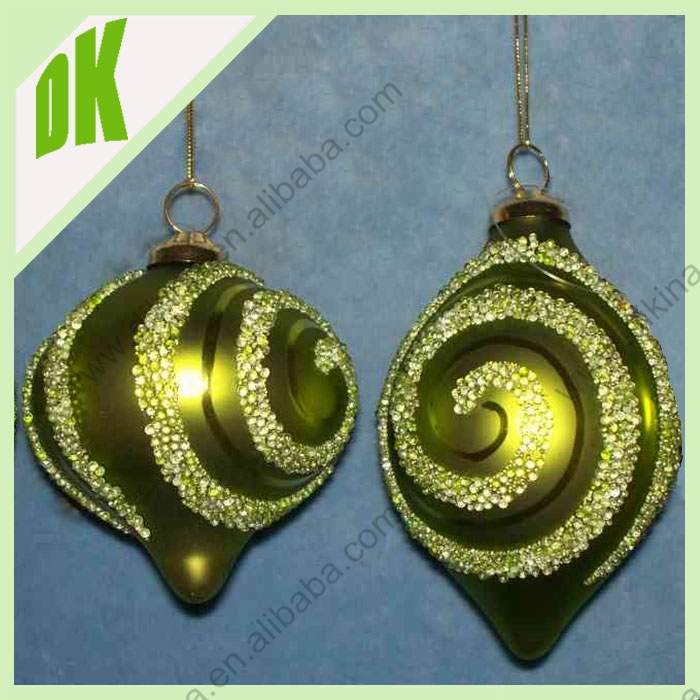 Outdoor garden glass ball hanging christmas decoration for Outdoor hanging ornaments