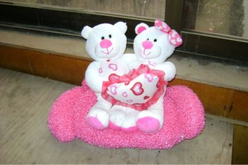 cute promotional plush valentine teddy bear toy with heart pillow