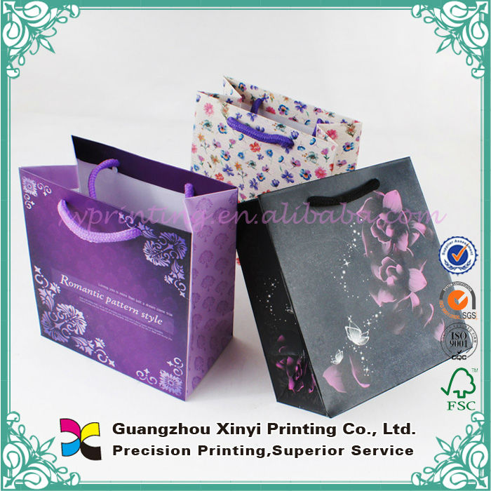 Customized colorful film lamination paper gift bags for promotion