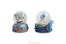 Polyresin dolphin home decoration globe