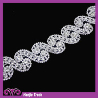 Popular clothing accessories manufacturers selling diamond chain Wedding dress resin, acrylic diamond chain claw chain