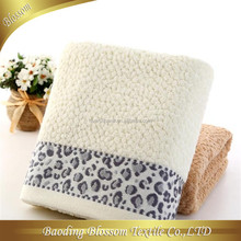 2015 Hot Sale Soft promotional terry jacquard 100 cotton bath towel